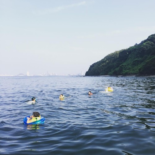 福岡市沖の海
